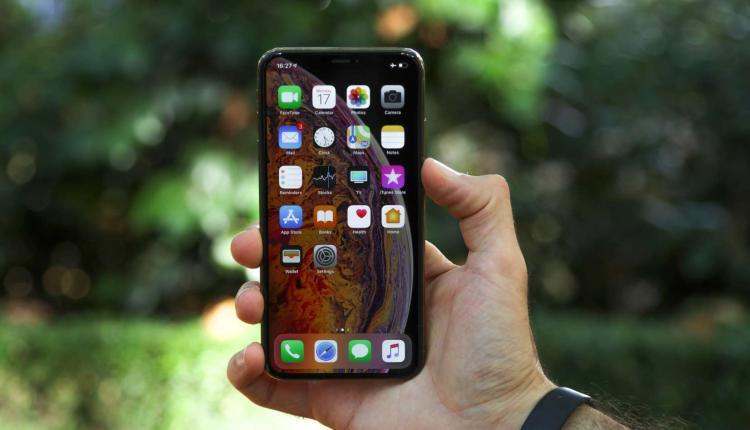 iPhone XS Max Review And Comment