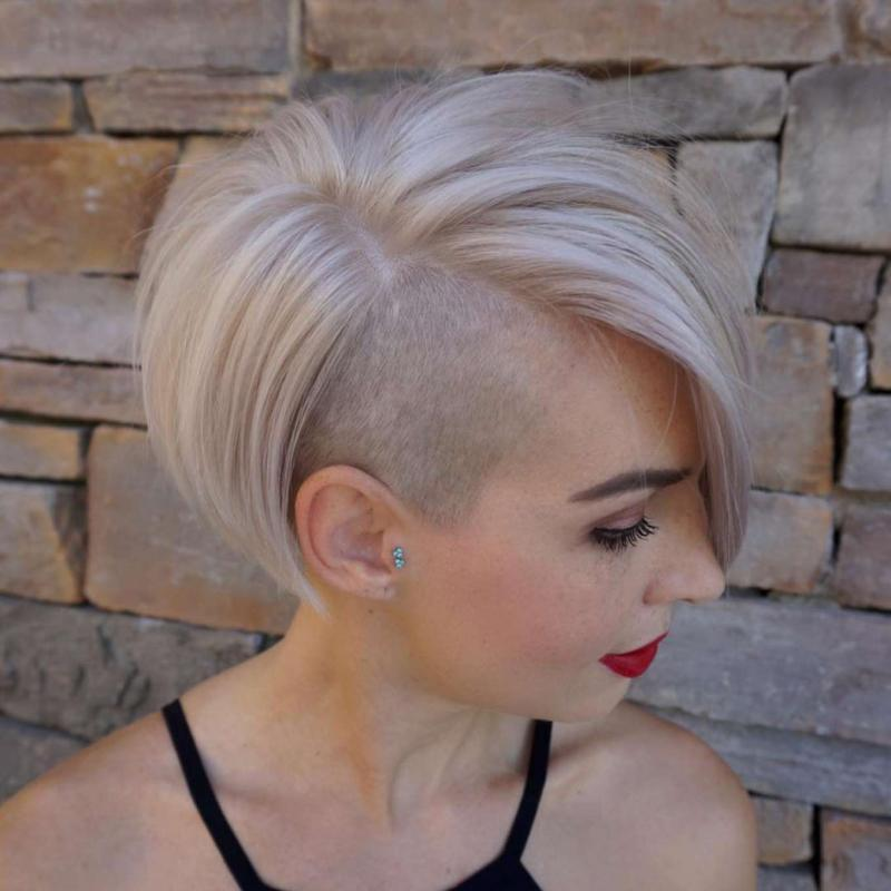 Andrea Lewis Short Hairstyles – 4
