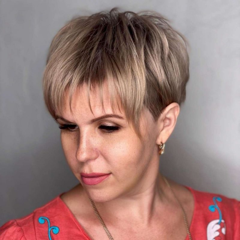 Alexandra Brown Short Hairstyles - 3