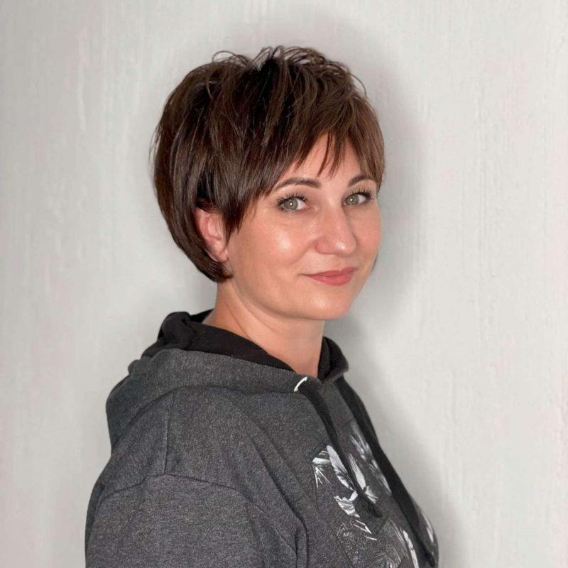 Carmela Green Short Hairstyles - 2