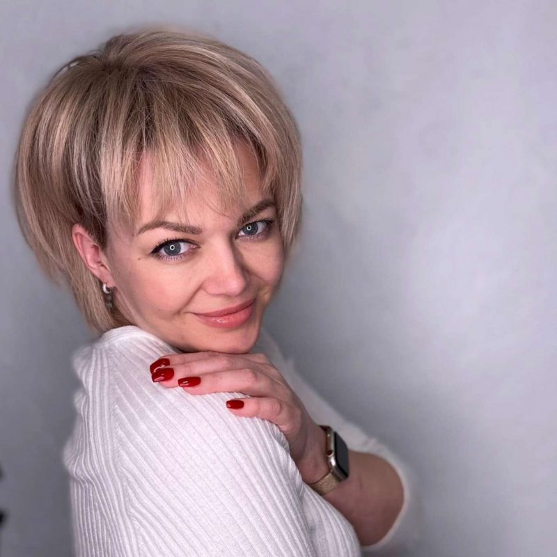Deann Barnes Short Hairstyles - 1