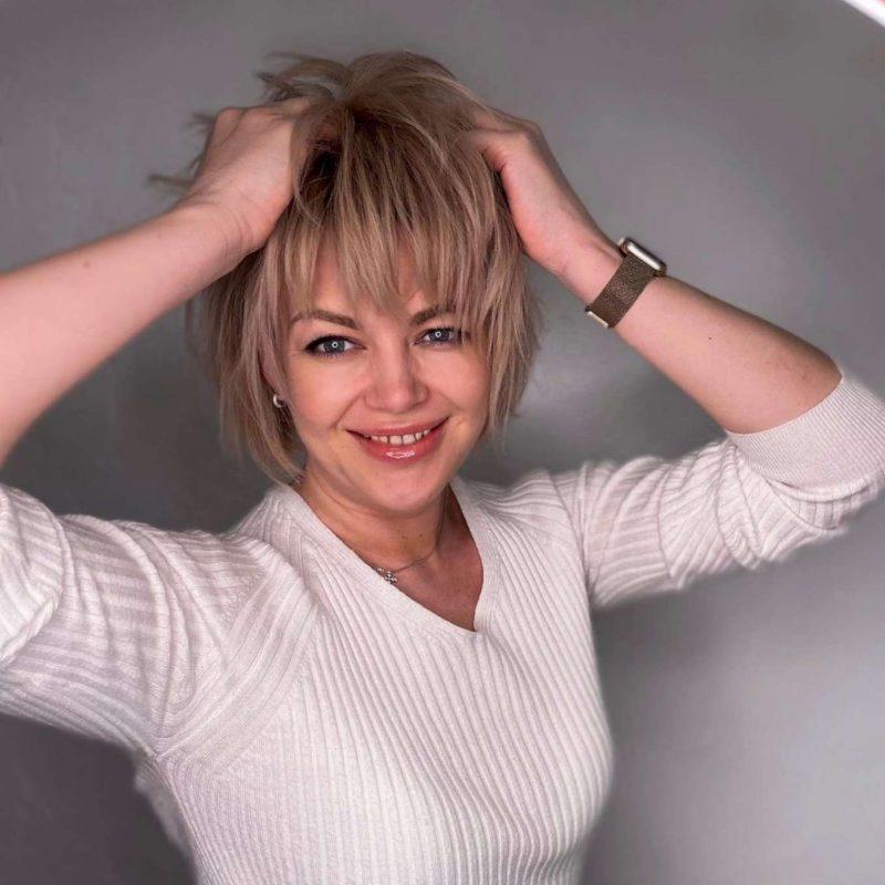 Deann Barnes Short Hairstyles - 2