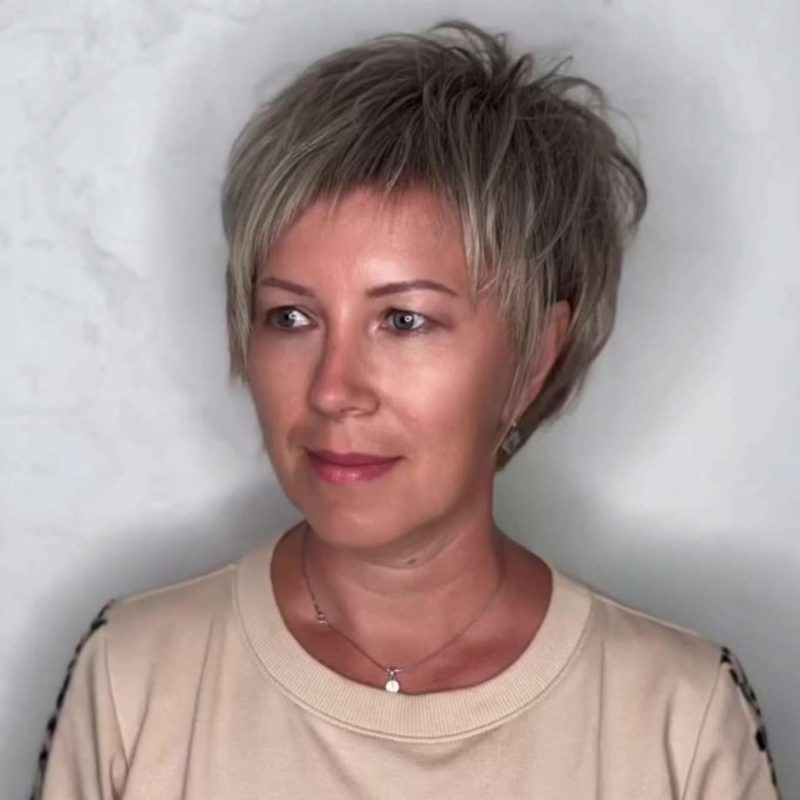 Polly Evans Short Hairstyles - 3